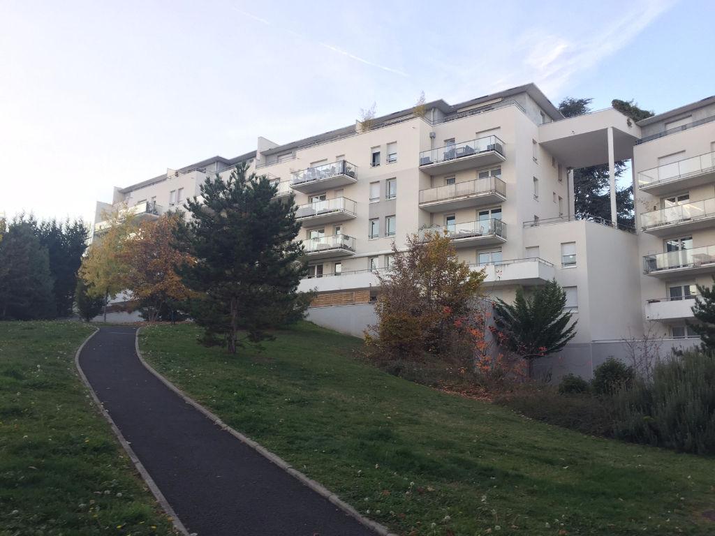 Appartement Clermont Ferrand 3 pièce(s) 79.35 m2