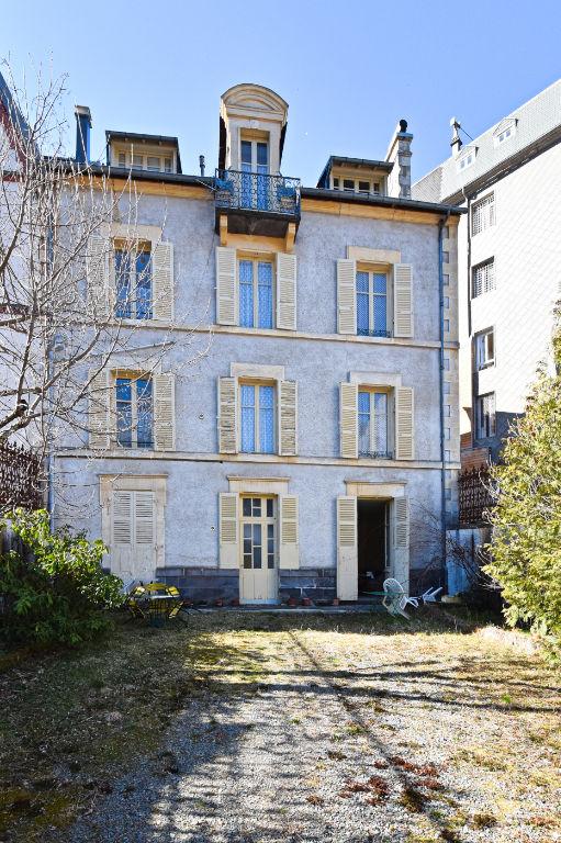 Maison La Bourboule 10 pièce(s) 280 m2