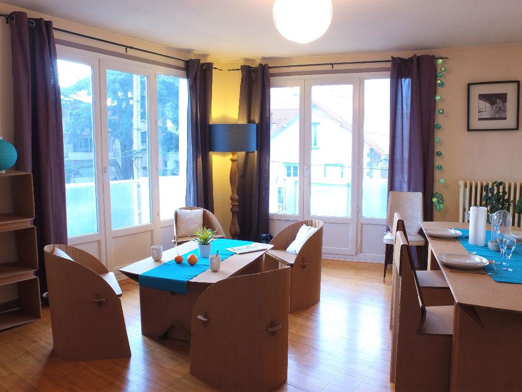 Belle lumière pour cet appartement Clermont-Ferrand 5 pièces 82 m²