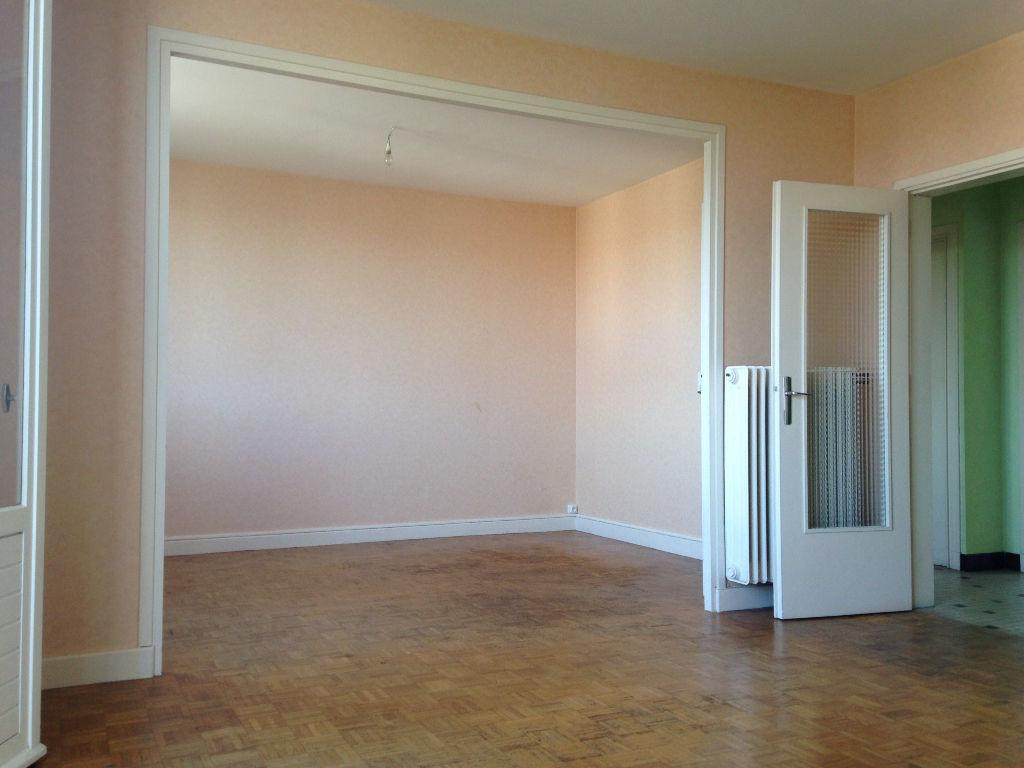 AUBIERE / LES CEZEAUX - Appartement 3 pièces 75 m²