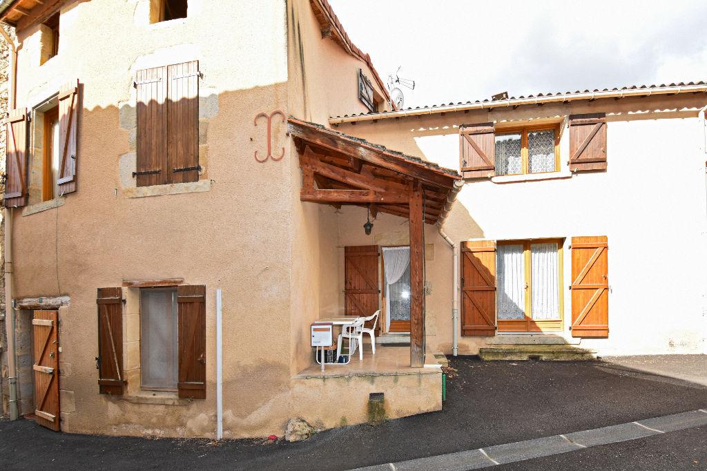 5 min de Chauriat, maison 3 chambres et terrasse