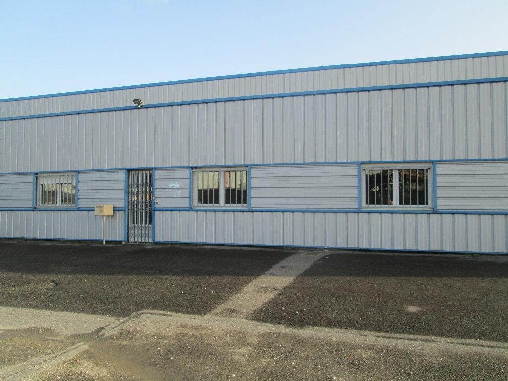 Local d'activité 380 m² - Proche RN165 - Marzan (56130)