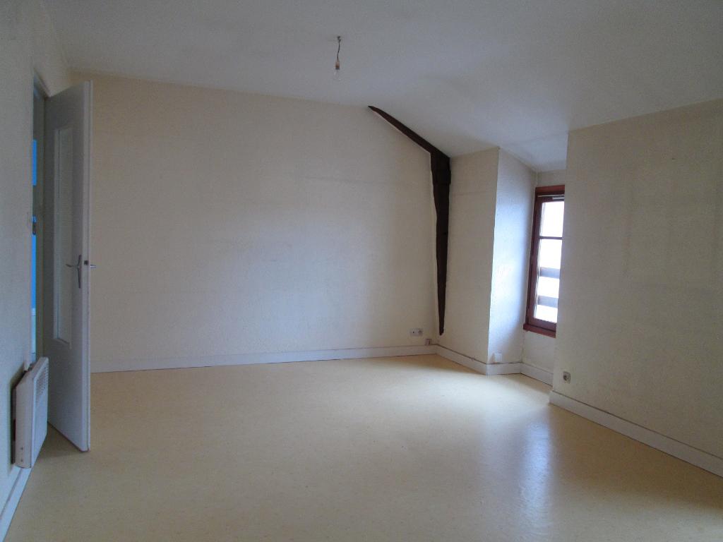 LA ROCHE BERNARD Appartement T3 - S.H. 55 m2