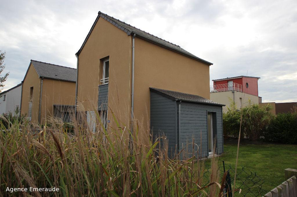 LOCATION SAISONNIERE LE PRIEURE DINARD Maison 4 personnes  avec terrasse jardin
