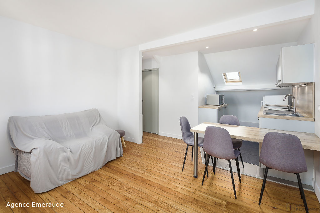 Appartement meublé rénové de type 2 pièce(s) Hyper centre à louer à l'année