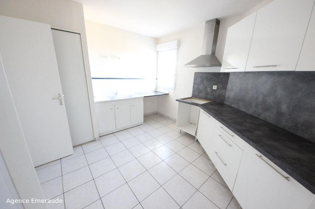 Appartement PLEURTUIT 3 pièces 74.97 m² centre bourg dernier étage