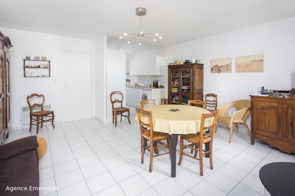 Appartement Dinard 2 pièce(s) 63.70 m2 place de la république