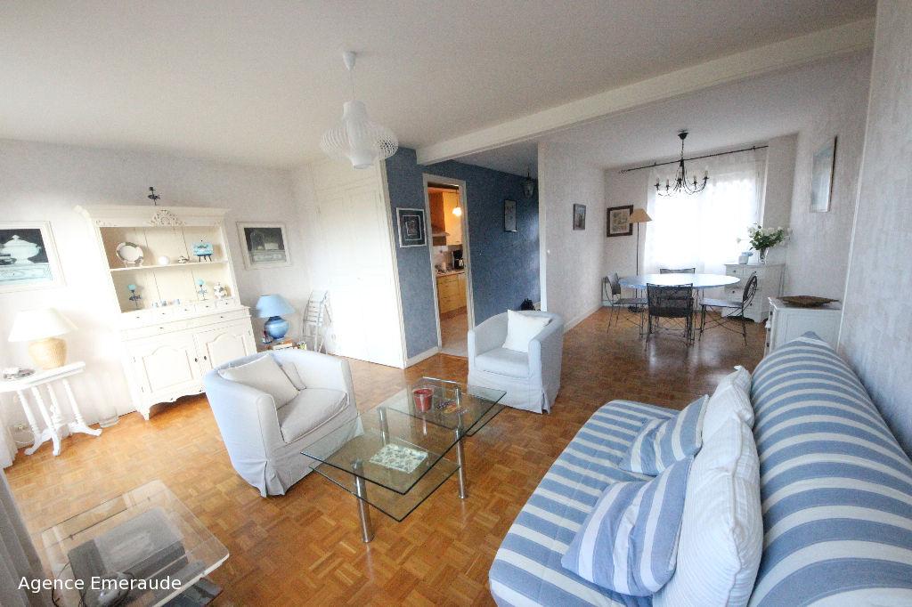 Location saisonnière, appartement 4/6 personnes accès direct à la plage