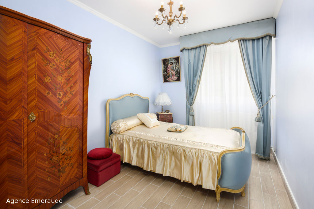 Appartement Dinard 3 pièce(s) 62.35 m2 hyper centre immeuble de standing terrasse garage