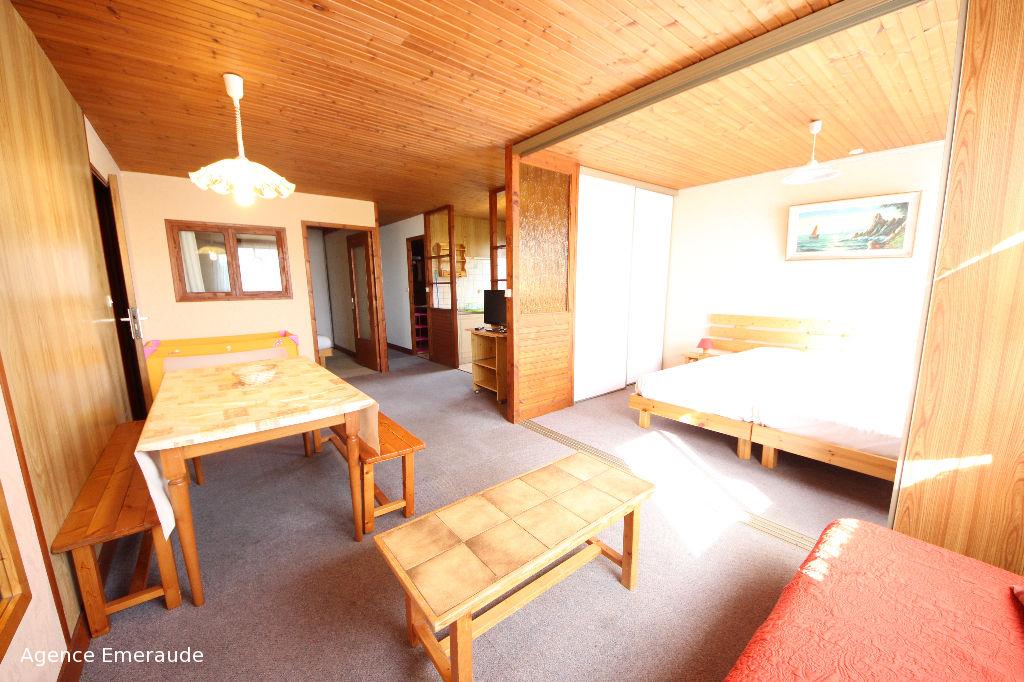 DINARD Grand appartement de type 2 pièce(s) à louer meublé à l'année