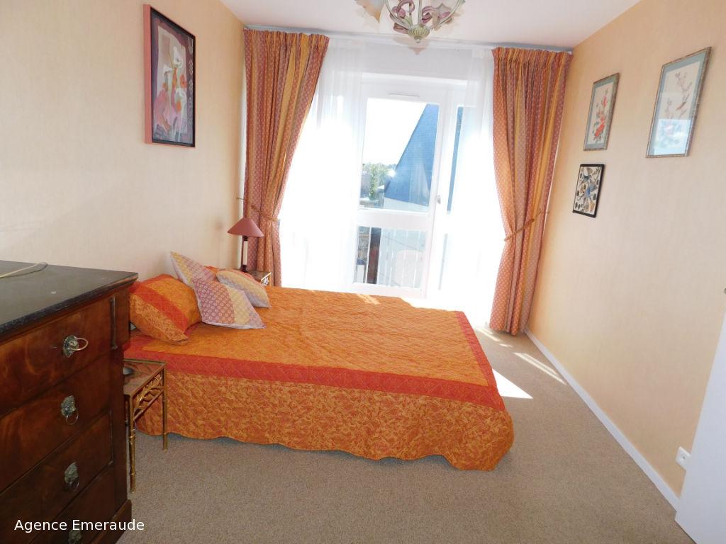 DINARD Appartement meublé de type 3 pièce(s) à louer de septembre à Juin avec garage
