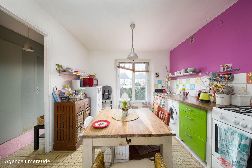 Maison Dinard 100 m² chambre au rez-de-chaussée terrain de 256 m²