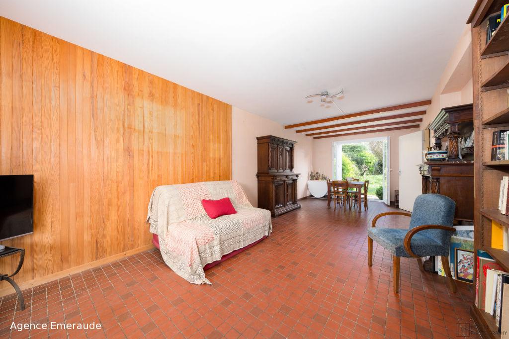 Maison Dinard 5 pièce(s) 100 m²,  la plage et les commerces à proximité.