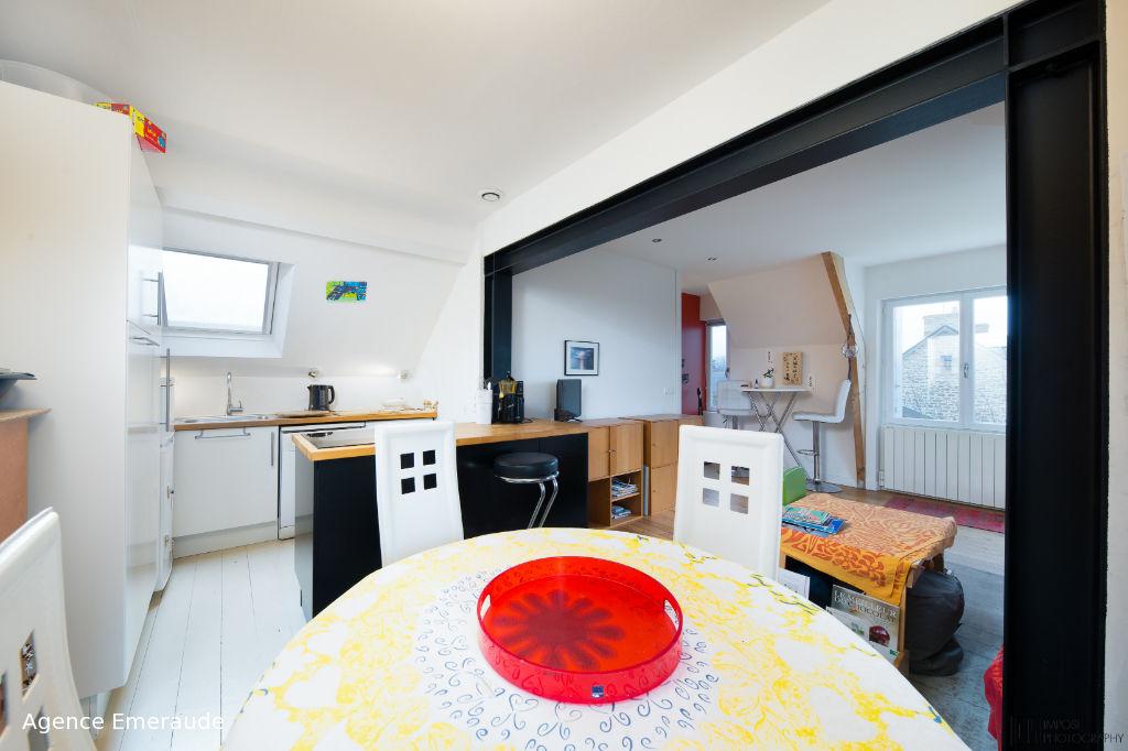 Appartement Dinard 2 pièce(s) 39.87 m² centre ville, la plage à pied, dernier étage jardin cellier
