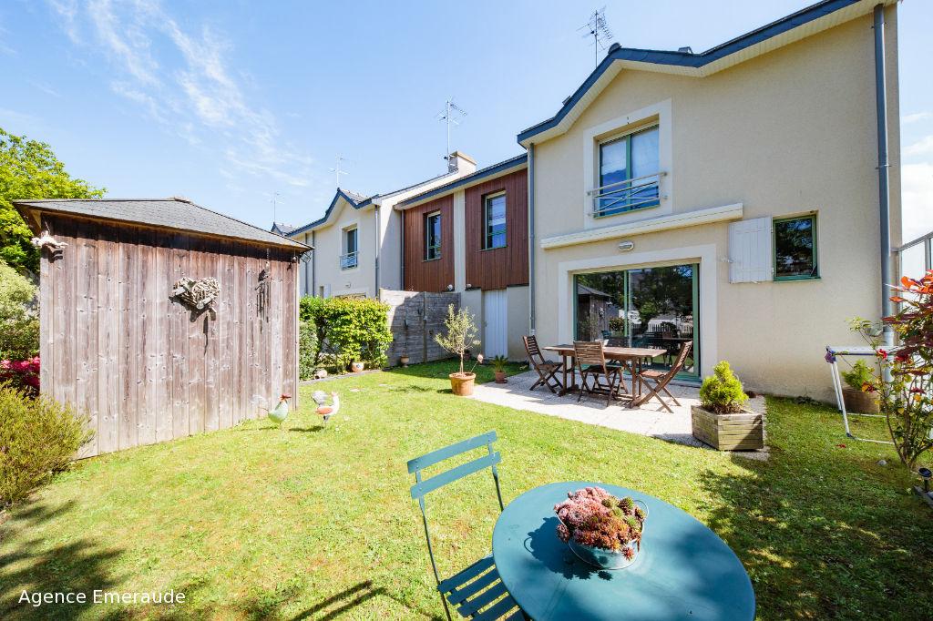 Maison Dinard 4 pièce(s) 95 m² 207 m² de terrain parfait état au calme d'une impasse