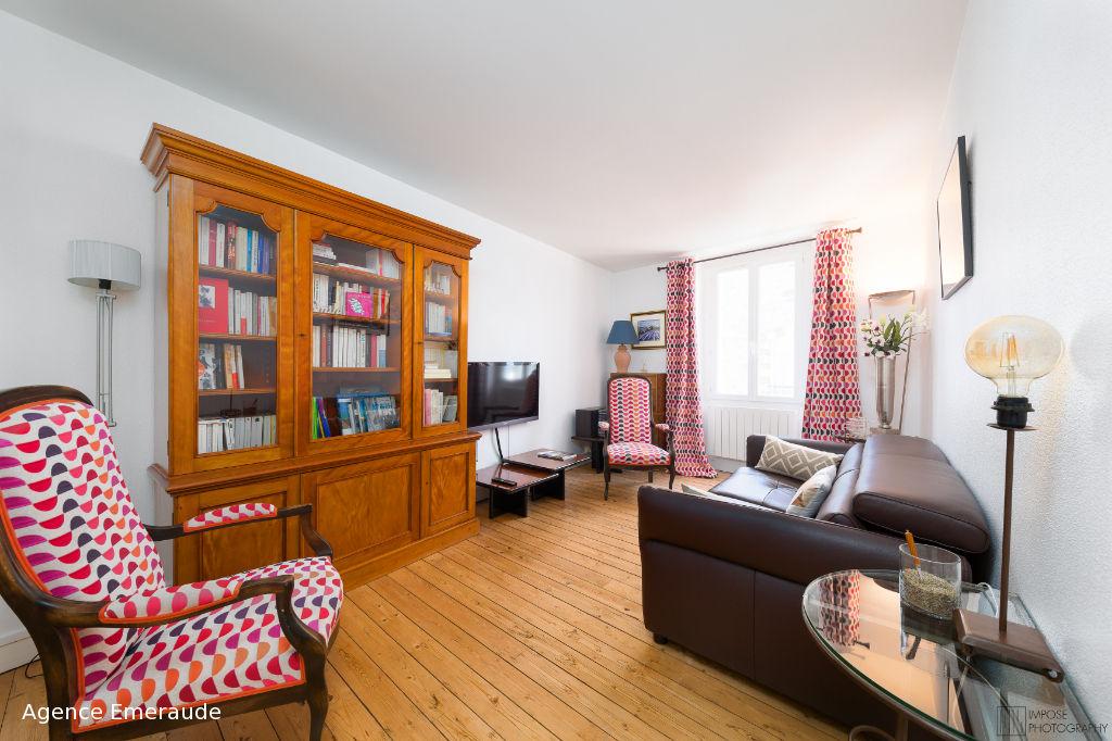 Location saisonnière Centre DINARD Bel appartement de type 2 bis avec terrasse