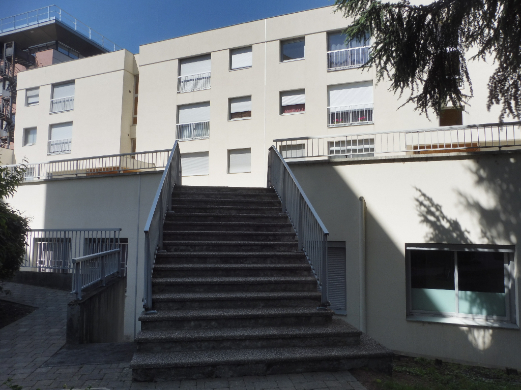 T1 Centre Ville Bourg en Bressehttps://v2.immo-facile.com/catalog/admin-v2/categories_office.php?action=new_product&pID=13237283&window_type=tab#