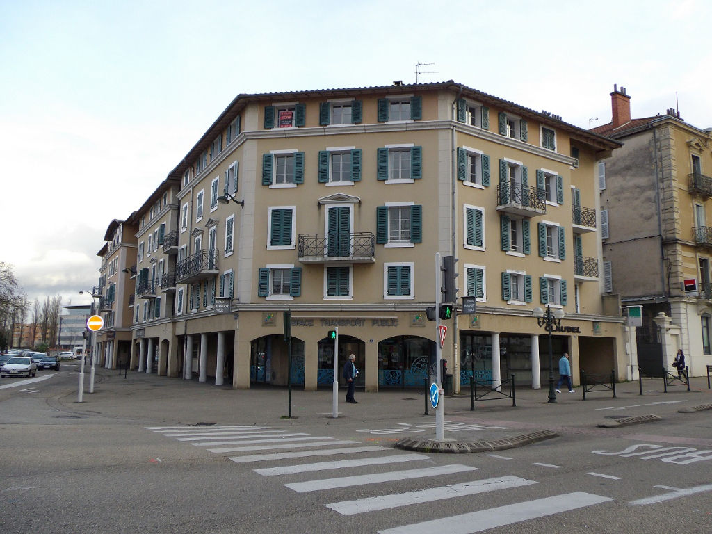 Appartement Bourg En Bresse  type 3 avec garage