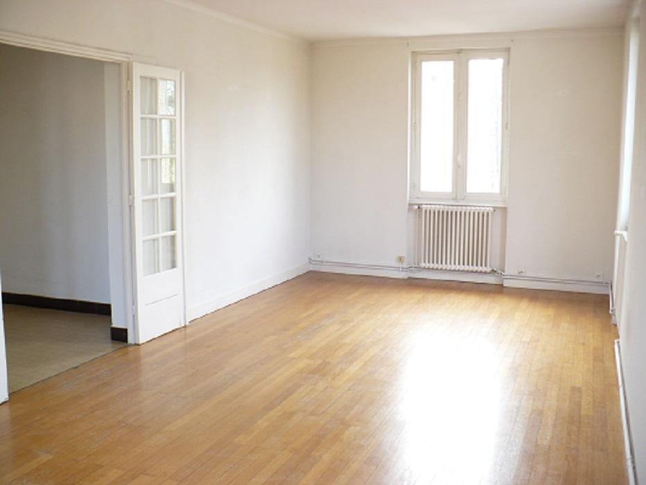 Proche gare appartement trois chambres