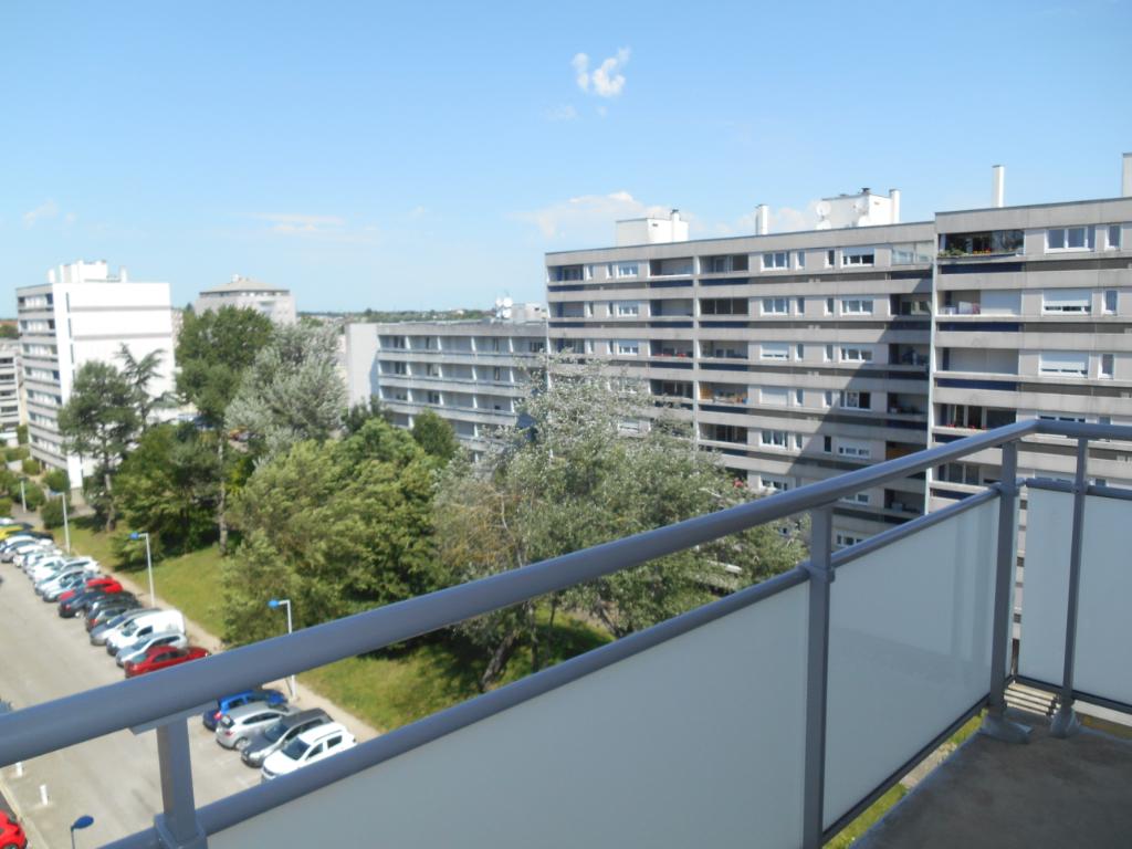 A louer proche Faculté et hôpital appartement type 4 idéal colocation