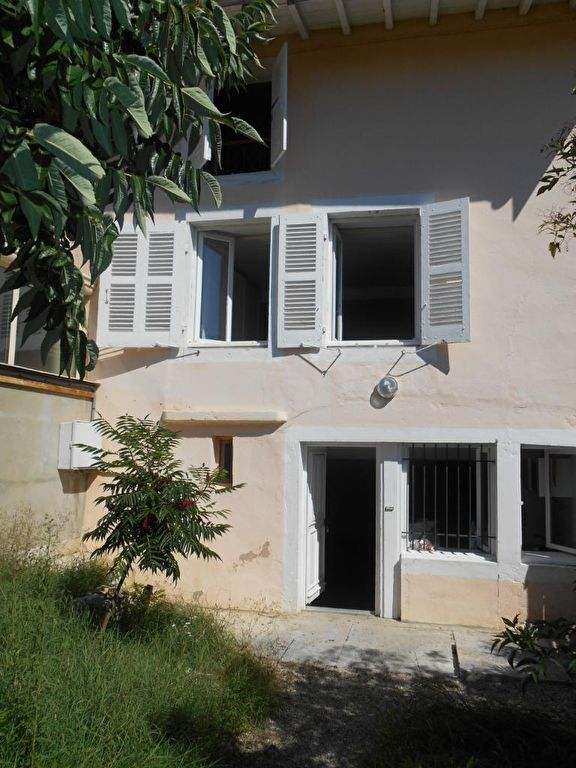 Maison à louer à Meillonnas au coeur du village