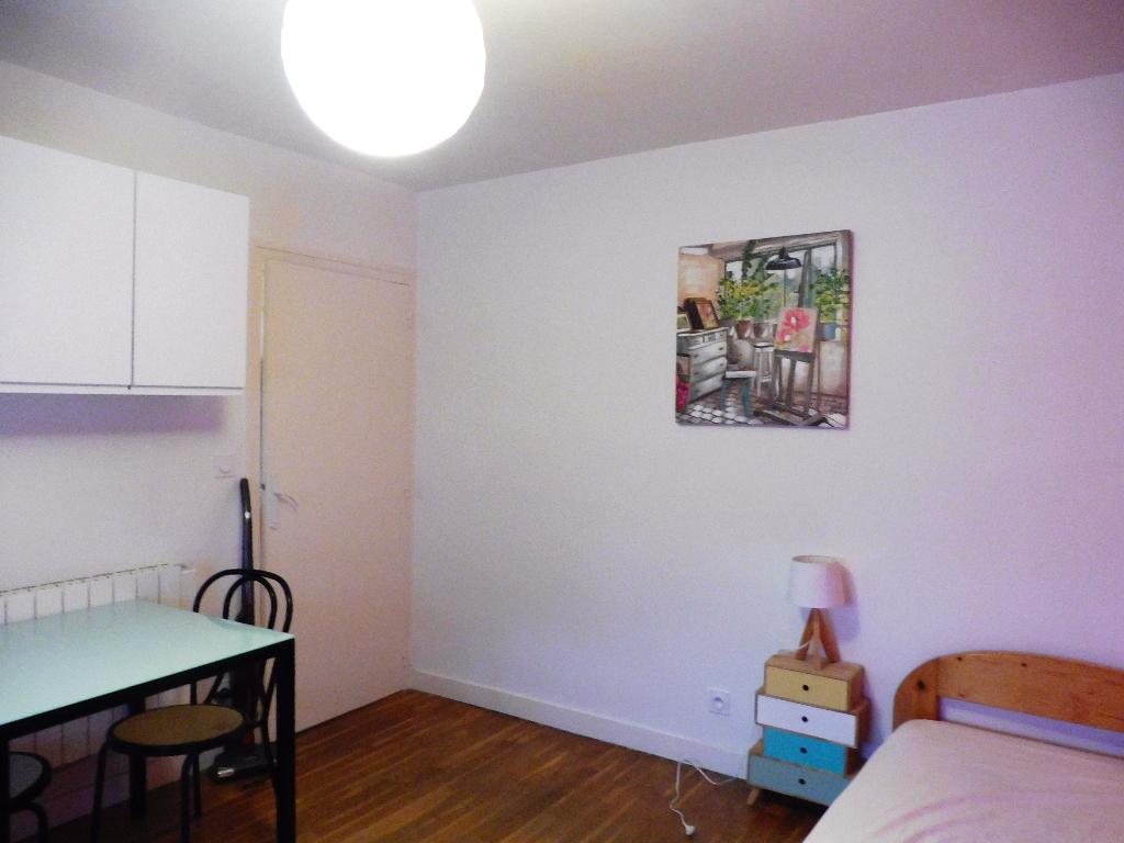 A louer studio  28 Rue Eugène Dubois - BOURG EN BRESSE