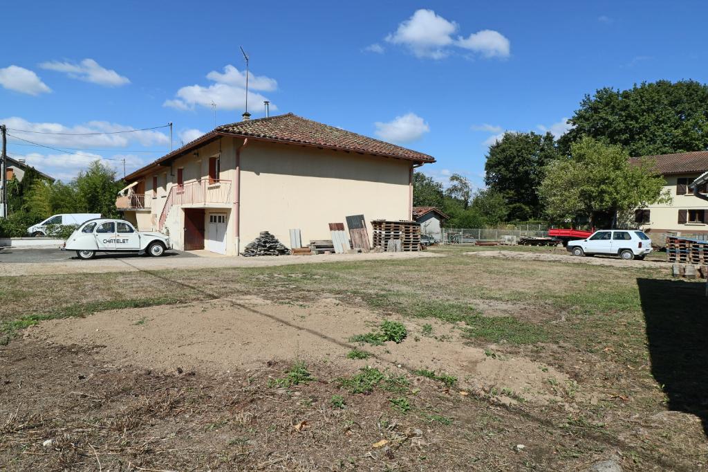 Maison Peronnas 2 chambres bien située limite BOURG-EN-BRESSE et forêt de seillon