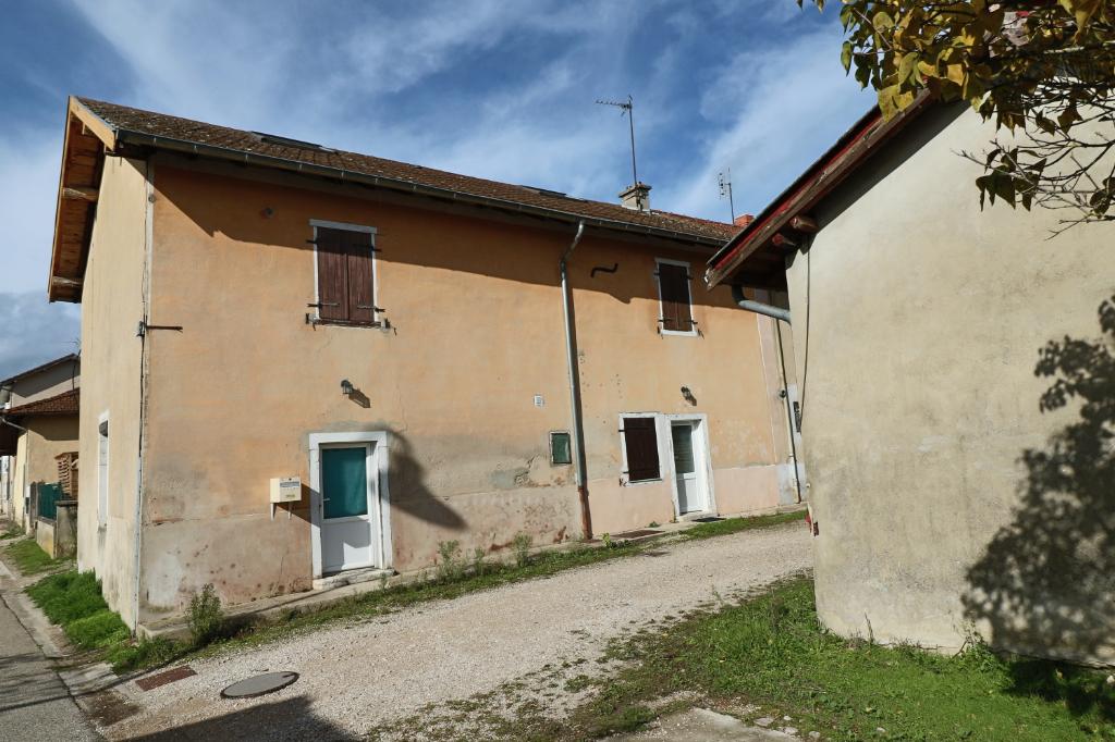 Immeuble  avec deux maisons en duplex