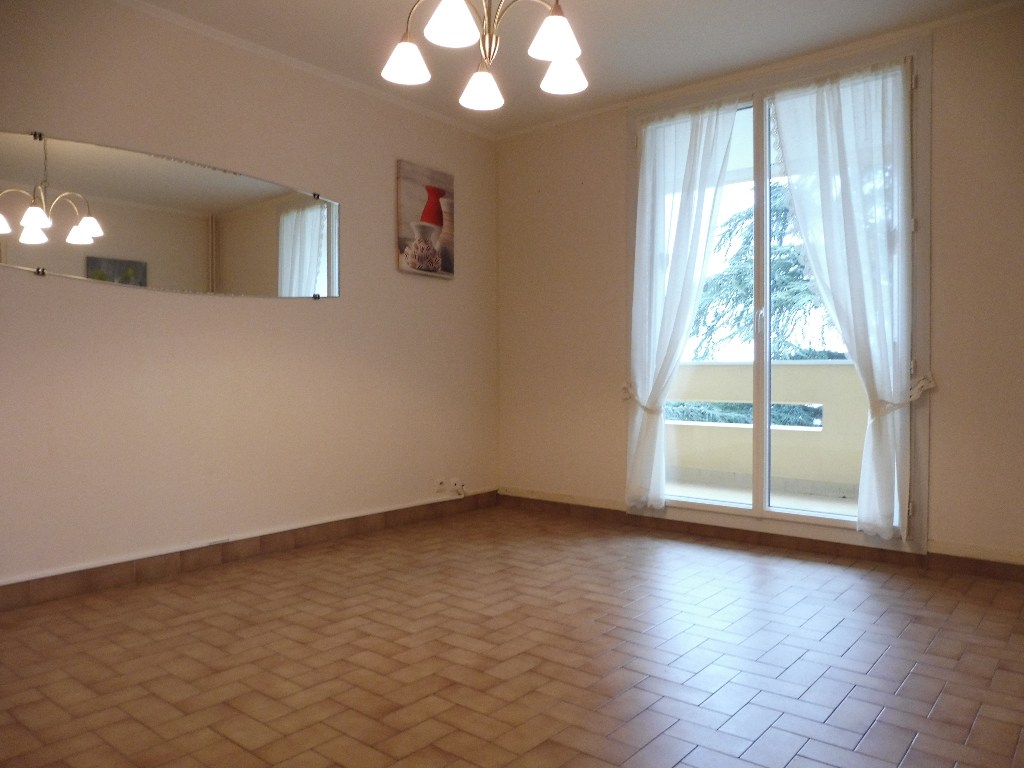 Appartement Peronnas 2 pièce(s) 60 m2