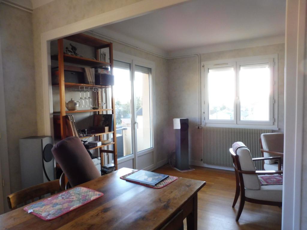 A louer à Ceyzeriat un appartement type  4 de 77 m2