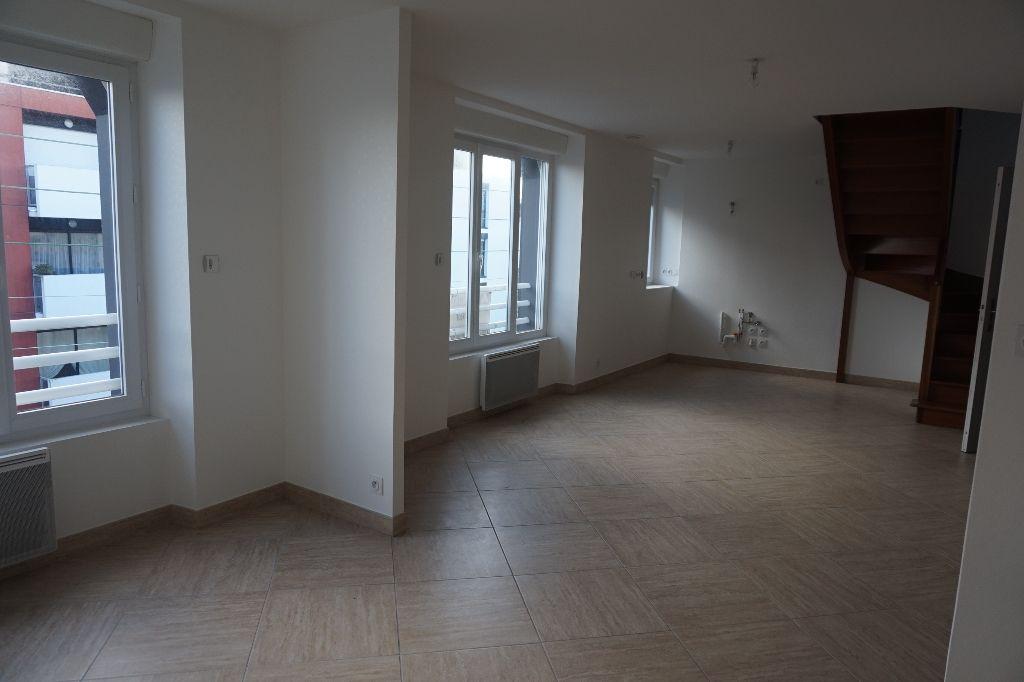 T.3 DUPLEX Auray Centre-Ville 67 m2/105 m²