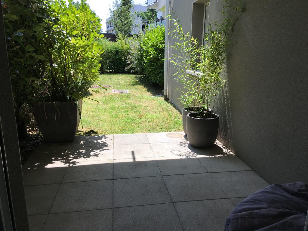 APPARTEMENT T.3 en rez-de-jardin -AURAY