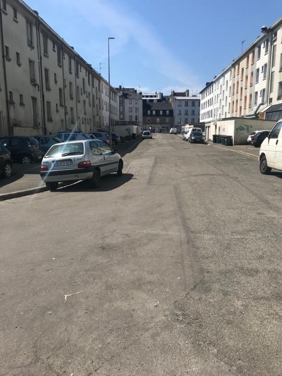 RUE DE LA PORTE - GARAGE 13m² - 65€