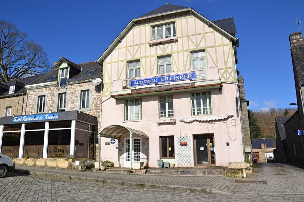 Région St Nicolas du Pelem - Ancien Hotel Restaurant 12 chambres + appartement 3 pièces