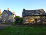 Région St Nicolas du Pelem - Maison en pierre 4 chambres avec dépendance à rénover sur parcelle de 1420 m².