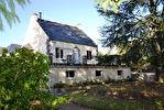 Région Corlay - Grande maison avec appartement à aménager sur 3199 m² de terrain