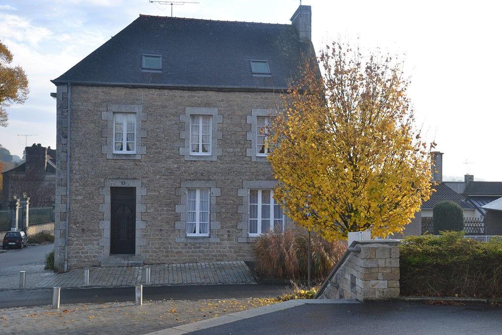 Région Saint Nicolas du Pelem - Vaste propriété de 7 chambres avec jardin et dépendance