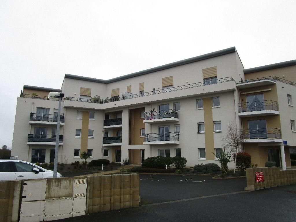 Plérin, 500 m du centre, appartement T4 à vendre, ascenseur, terrasse