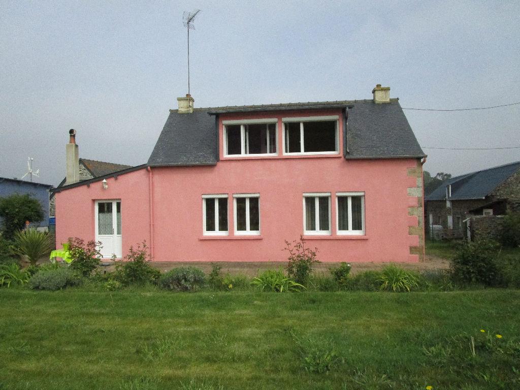 Pordic, maison en pierres à vendre