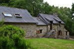Région Guerlédan - Longère avec dépendance attenante sur 1 hectare de terrain