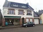 Région Rostrenen - Maison traditionnelle avec ancien local commercial sur 231 m² de terrain