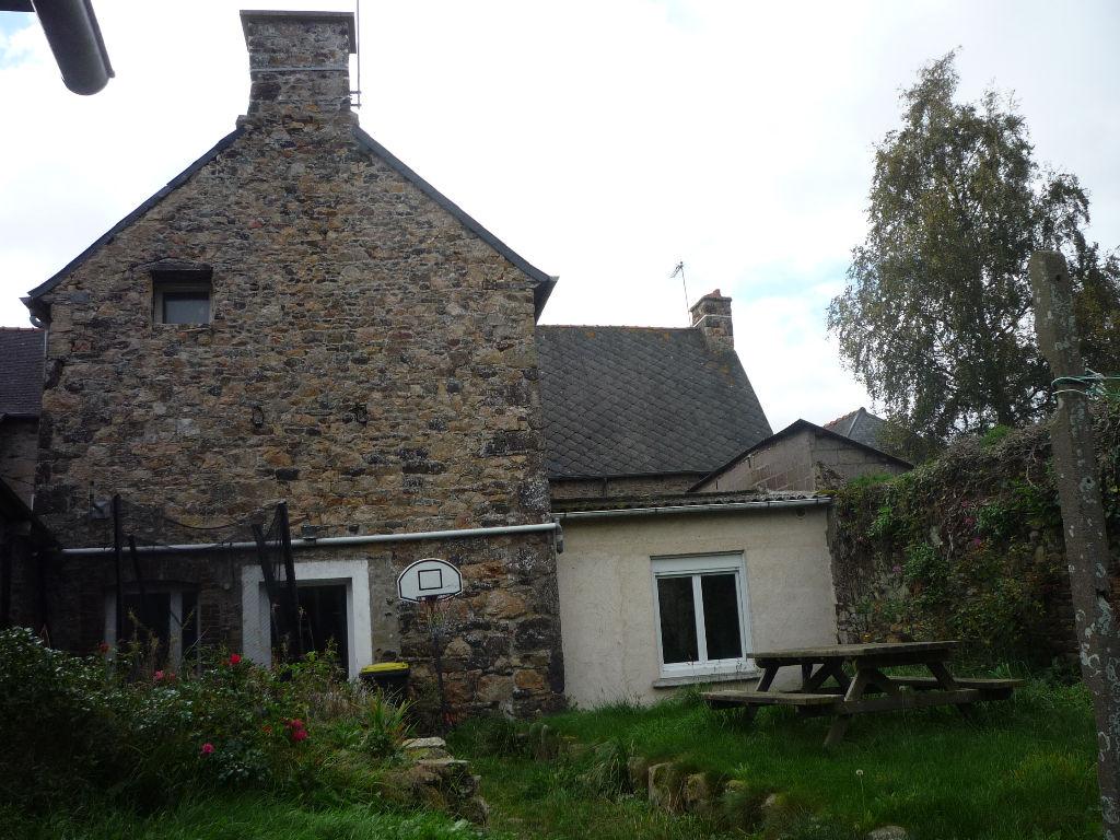Lanvollon, centre, maison en pierre à vendre