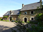 Région Loudéac - Manoir du XVIIe siècle, 5 chambres, avec dépendance et hangars sur 2.8 hectares de terrain