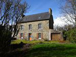 Région Gouarec - Maison en pierre 4 chambres avec garage attenant sur parcelle de 360 m² environ