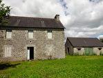 Région Plouguernével - Maison en pierre à rénover avec dépendance sur parcelle de 1721 m²
