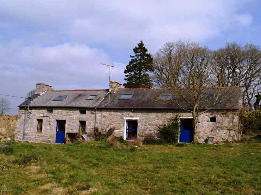 Région St Nicolas du Pélem - Longère en pierre aménagée en deux logements