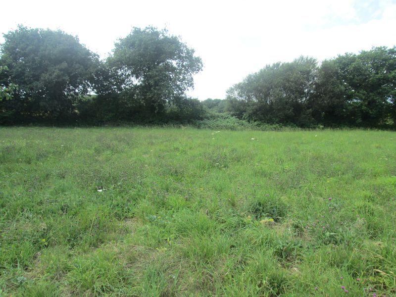 Etables, à 1 km du bourg, terrain constructible à bâtir à vendre