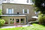 Proposer cette annonce : Dinan centre historique: Elegante maison de ville de 5ch. avec jardin