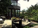 """Proposer cette annonce : Villa d'exception d'architecte """" La Maison Coeur des sables d'or """" , vue imprenable mer."""