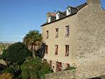 Proposer cette annonce : Dinan - centre historique - grande maison avec jardin offrant des vues imprenables  - garage